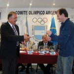 Leon Kalin y Andrés Kogovsek en pleno sorteo (Foto: Prensa C.O.A.)