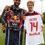 El francés Thierry Henry y Sebastian Vettel intercambiaron camiseta y mameluco antiflama.