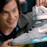 Bill Hader junto a la Nike MAG. (Foto: Prensa Nike Argentina)