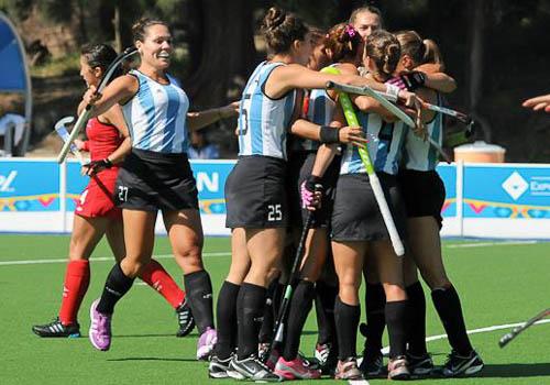 Las Leonas festejando uno de los cuatro goles con los que pasaron a la final de los Panamericanos. (Foto: PAHF)