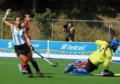 "Rosario ""Charito"" Luccetti, una de las goleadoras del encuentro. (Foto: PAHF)"