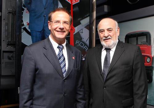 Embajador de Suiza, Sr. Johannes Matyassy y Aquiles Yavícoli, Presidente de DARSSA.