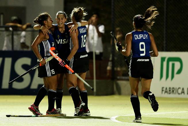 Sofía Maccari festeja su gol. (Foto: CAH/Matías Correa Arce)
