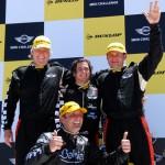 """El podio ganador junto al campeón de la """"Copa MINI Challenge 2011""""."""