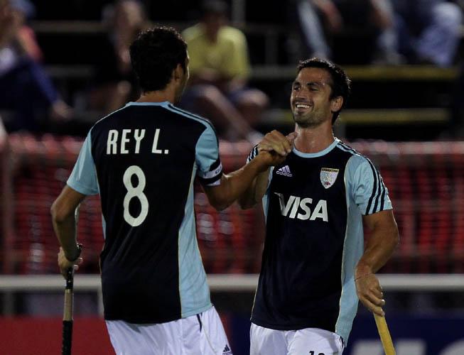 Lucas Rey festeja con su compañero. (Foto: Matías Correa Arce)