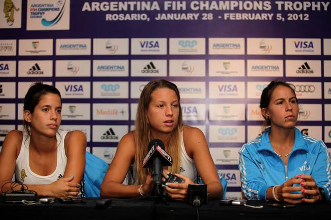 De Izq. a Der.: Mariela Scarone, Delfina Merino y Sofía Maccari. (Foto: Matías Correa Arce)