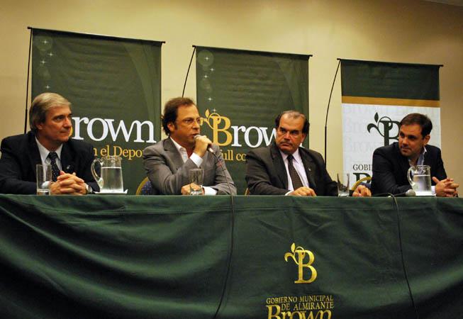 Moccia, Giustozzi, Gutiérrez y Weber, durante la presentación del Preolímpico. (Foto: Prensa FEVA)