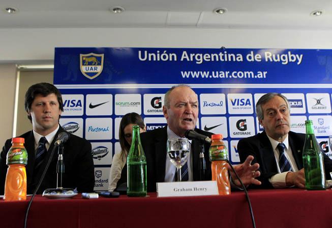 Santiago Phelan, Graham Henry y Luis Castillo. (Foto: ProFocus - UAR).