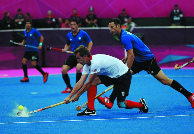 Los chicos argentinos no pudieron contra el equipo local. (Foto:Daniel Berehulak/Getty Images)