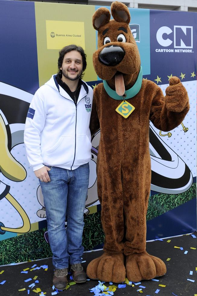 """Germán Paoloski en la exitosa final de """"Copa Toon 2012"""", el campeonato organizado por Cartoon Network, junto a Scooby Doo."""