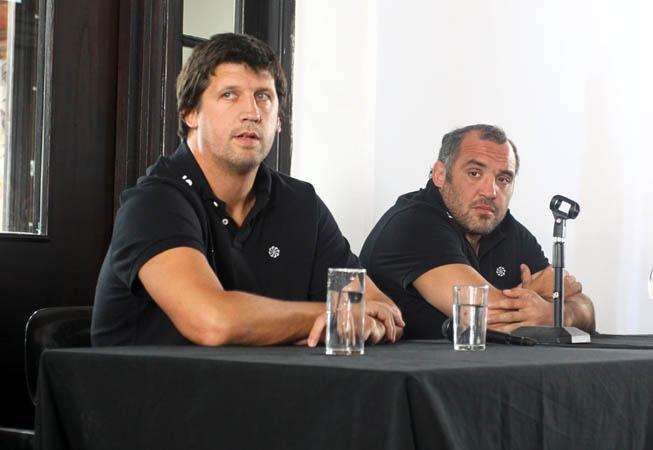 Santiago Phelan y Rodrigo Roncero durante la charla. (Foto: Emiliano Raimondi/UAR)