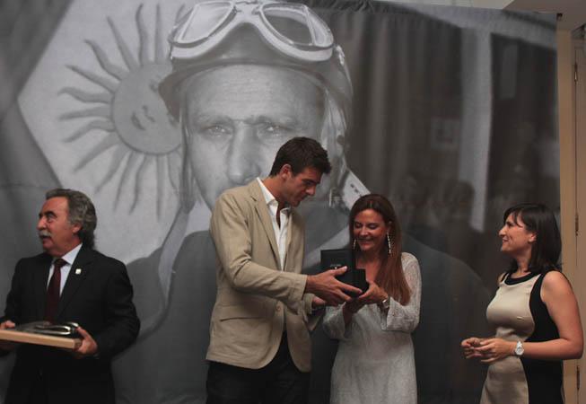 Juan Martin del Potro recibe su TAG Heuer Edición Limitada Juan Manuel Fangio.