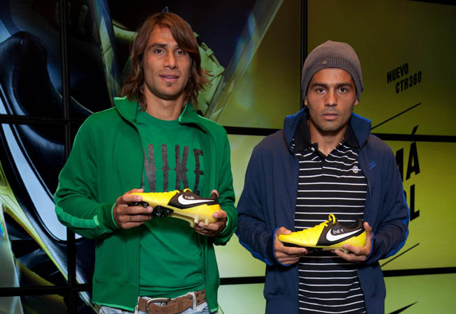 Nike - Leonardo Ponzio - Walter Erviti