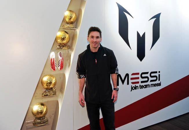 Museo adidas y Messi.