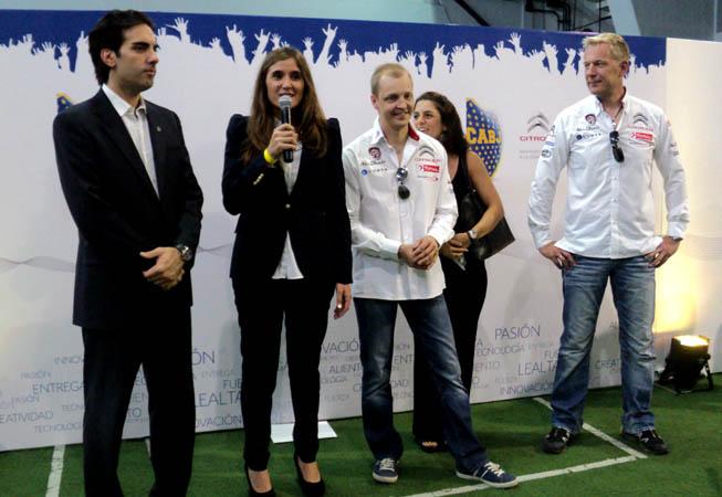 Valentina Solari (Directora de Marketing Citroën Argentina) junto a los pilotos Mikko Hirvonen y Jarmo Lehtinen ::: Foto: María Gabriela Losino :::