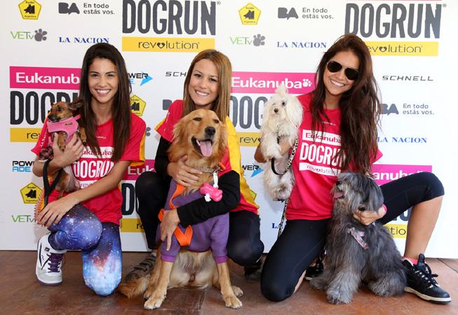 Delfina Gérez Bosco y Matilda; Luli Fernández y Simba; Zaira Nara y Chin.