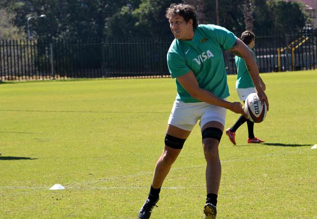 Patricio Albacete en uno de los entrenamientos junto a Los Puma.