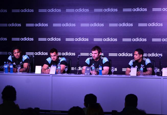 La conferencia de prensa.