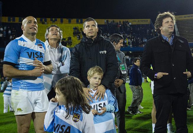 Felipe junto a una de sus hijas y sus hermanos Manuel y Bebe. (Foto: Rodrigo Vergara/U.A.R.)