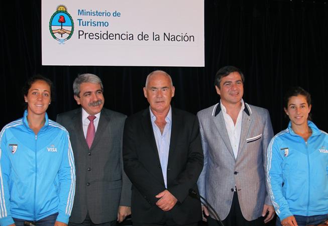 De Izq. a Der.: Silvina D'Elía, Anibal Fernandez, Enrique Meyer; Bernardo Racedo Aragón y Rosario Luchetti.