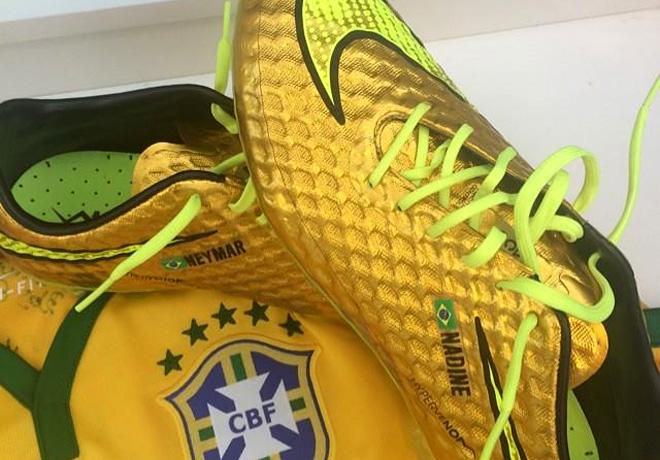 Nike - Hypervenom Gold 1