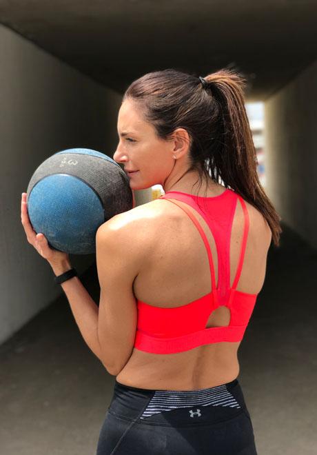 f4710464be7 Luciana Aymar, nueva atleta Under Armour.   Moda y Deporte