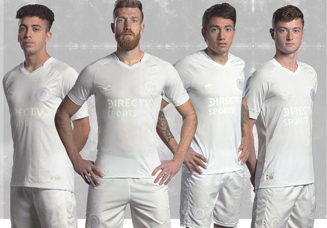 Umbro lanzó camiseta homenaje de Estudiantes de La Plata.