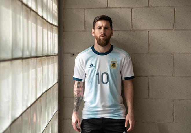 La nueva camiseta de la Selección Argentina de Fútbol.